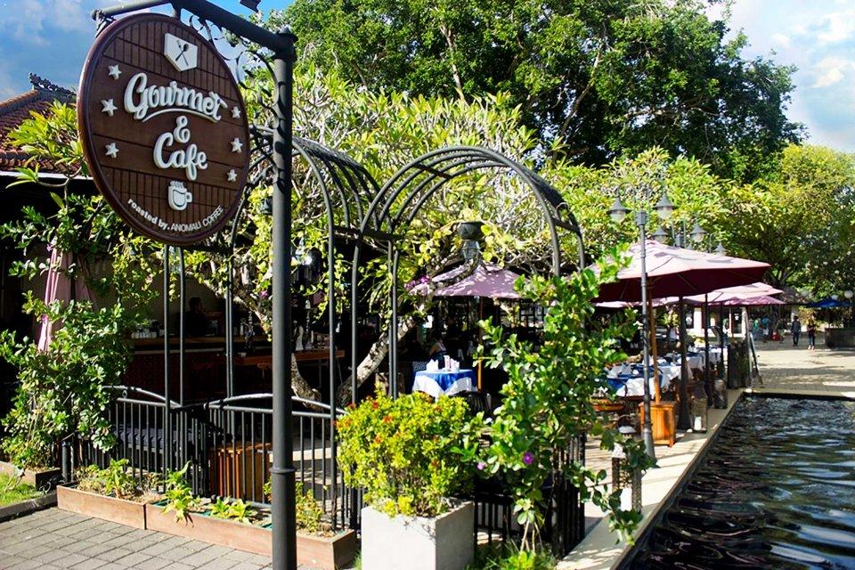 Gourmet & Café