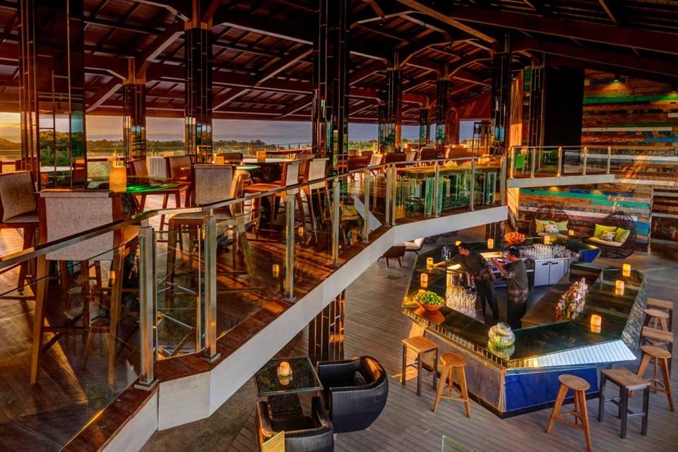 AYANA Resort_Unique_Rooftop_Bar
