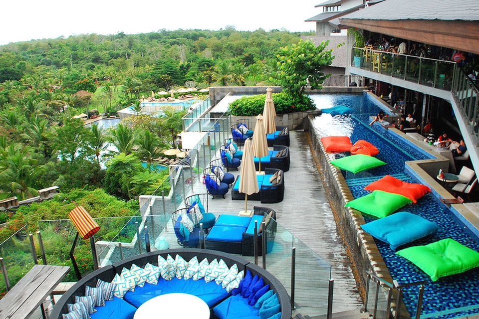 AYANA Resort_Unique_Rooftop Bar_Pool