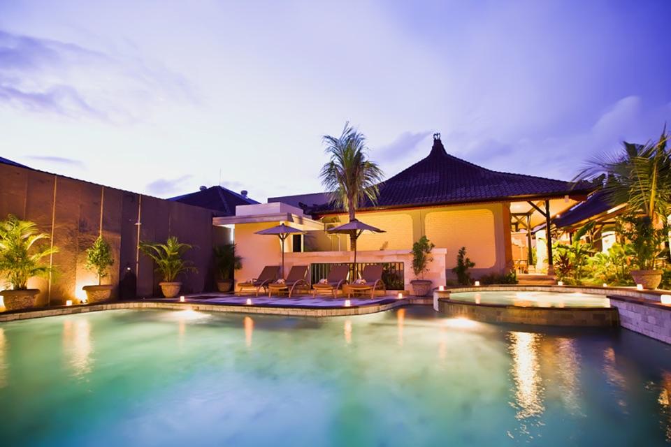 Natya Hotel Tanah Lot_Pool Sunset